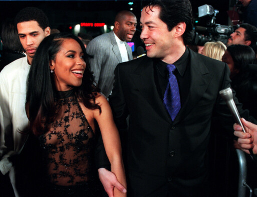 LOVENDE STJERNE: Aaliyah og motspiller Russell Wong på «Romeo Must Die»-premieren i L.A. i år 2000. Foto: AP/ NTB scanpix