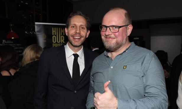 HUMORPRISEN: Morten Ramm har vært med på å starte opp Humorprisen. Her med Steinar Sagen. Foto: Andreas Fadum / Se og Hør