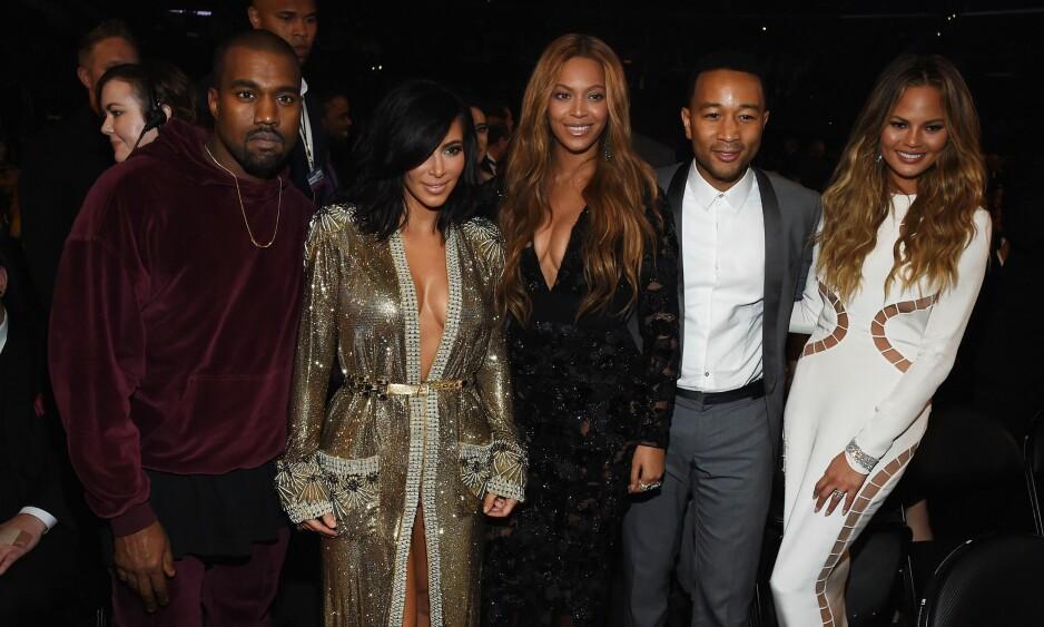 <strong>MEKTIGE VENNER:</strong> Her er Chrissy Teigen og ektemannen, John Legend, sammen med Kanye West, Kim Kardashian og Beyoncé. Foto: NTB Scanpix