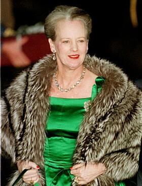 <strong>1998:</strong> Dronning Margrethe er kjent for sin lekne klesstil. Foto: NTB Scanpix