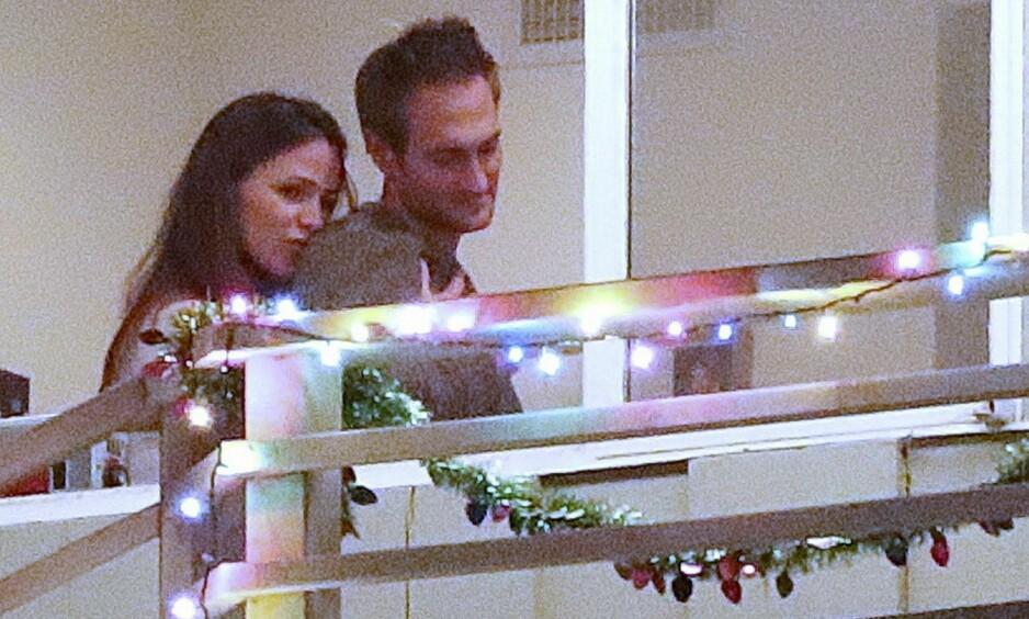 NY FLAMME: Jennifer Garner (46) skal ha funnet kjærligheten på ny med John Miller (40). Her er de fotografert på en romantisk date. Foto: NTB Scanpix