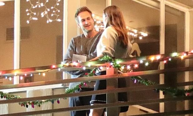 FORELSKET: Her er duoen avbildet på balkongen sammen. Foto: NTB Scanpix