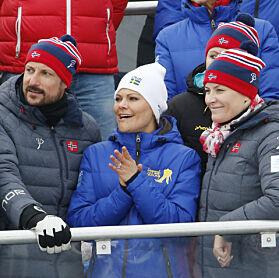 HEIA HEIA: Kronprins Haakon, kronprinsesse Victoria og kronprinsesse Mette-Marit på tilskuerbenken. Foto: NTB Scanpix