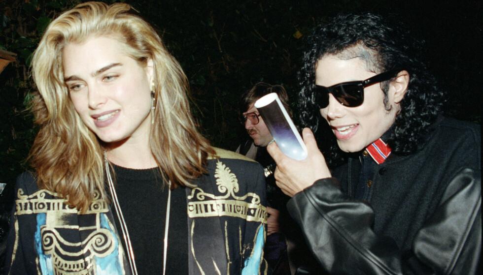 <strong>GODE DAGER:</strong> Michael Jackson avbildet sammen med Brooke Shields i 1991, et par år før de første overgrepsanklagene ble rettet mot ham. Foto: AP/ NTB scanpix