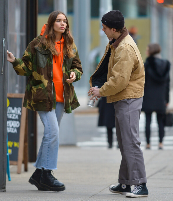 <strong>SPISTE LUNSJ:</strong> Det unge paret ble også sett mens de forlot en sushirestaurant i metropolen. Foto: NTB scanpix