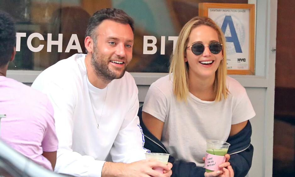 FORLOVET: Jennifer Lawrences representant kan bekrefte at skuespillerstjerna og kjæresten Cooke Maroney har forlovet seg. Foto: NTB Scanpix