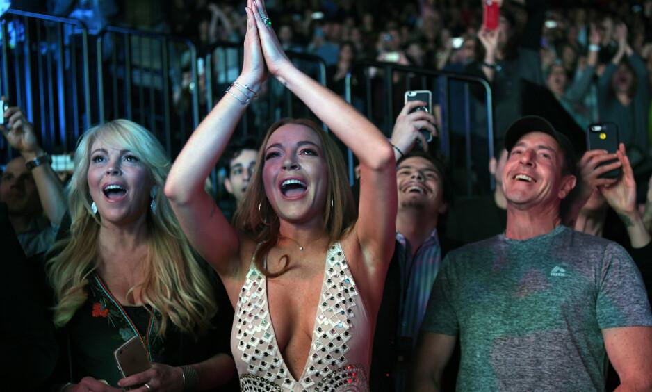 GJENFORENING: Lindsay Lohan (32) har prøvd å gjenforene foreldrene sine ved å hente inspirasjon fra den populære filmen «Foreldrefellen». Foto: NTB Scanpix