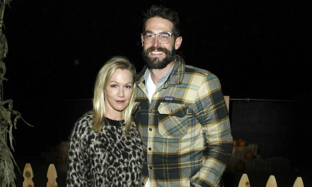 PRØVER IGJEN: Her er Jennie Garth og Dave Abrams avbildet sammen i Calabasas i fjor høst. Foto: NTB Scanpix