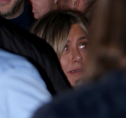 JUBILANTEN: Fotografene klarte så vidt å få bilder av Jennifer Aniston avbildet lørdag kveld. Foto: NTB Scanpix