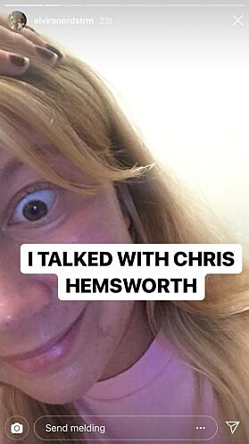 <strong>UVANLIG TELEFONSAMTALE:</strong> 21-åringen prøvde å være rolig, da hun snakket med skuespillerstjernen i telefonen. Foto: skjermdump fra Instagram.
