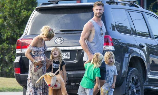 <strong>LEVERTE DEM TILBAKE:</strong> Elvira Nordström fikk levert de private bildene av venner og familie tilbake til skuespillerstjernen. Foto: NTB scanpix