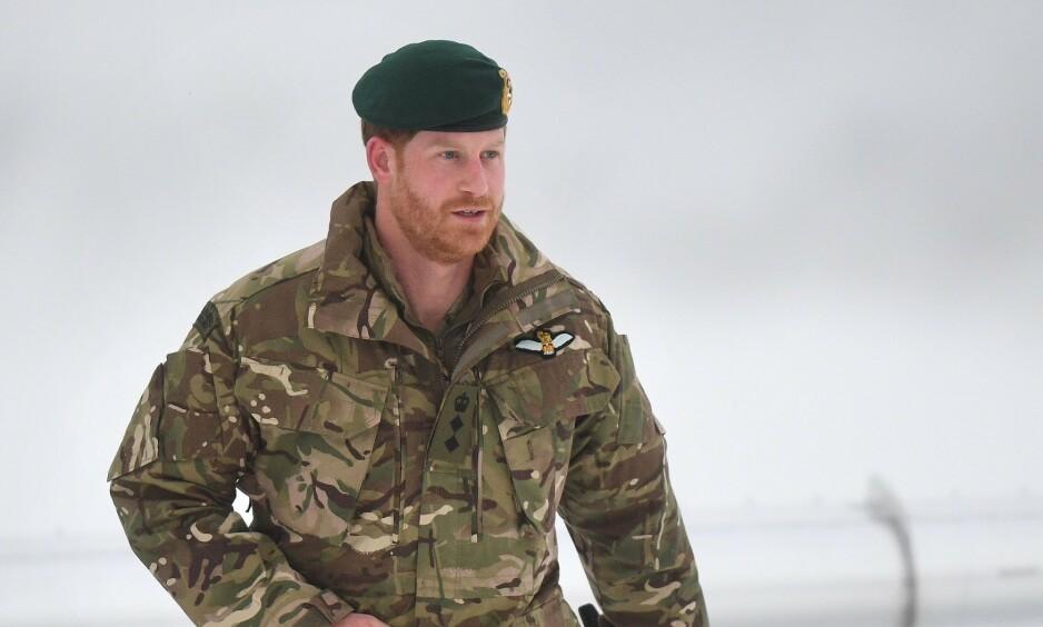 ANKOMMET: Prins Harry ankom Bardufoss lufthavn like før halv tolv torsdag formiddag. Foto: NTB scanpix
