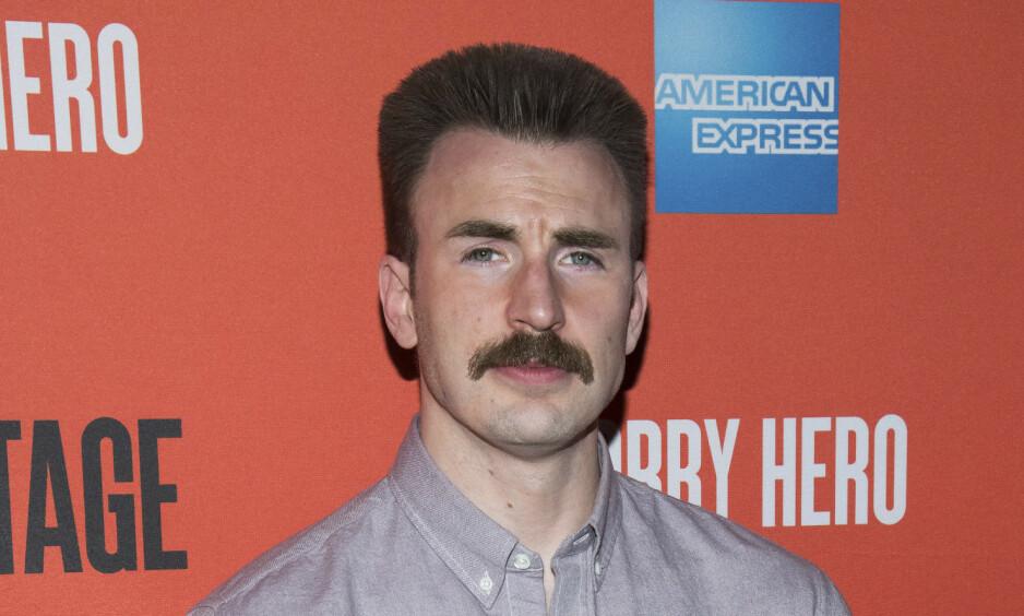 BARTEFIN: Chris Evans (37) var nødt til å vokse ut bart for en rolle på Broadway, og selv om han helst vil glemme barte-looken er det lettere sagt enn gjort. Foto: NTB Scanpix