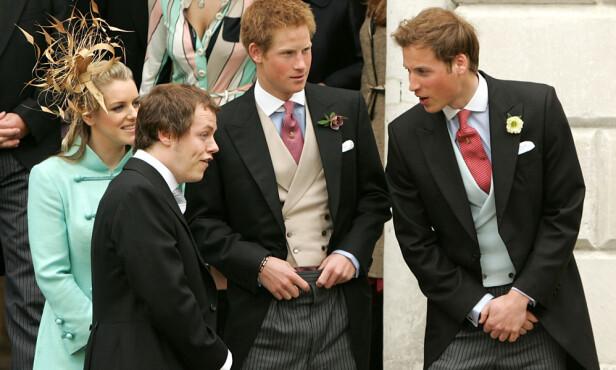 ALLE BARNA SAMLET: Her er Laura Lopes, Tom Parker Bowles avbildet sammen med prins Harry og prins William under bryllupet til prins Charles og hertuginne Camilla i 2005. Foto: NTB scanpix