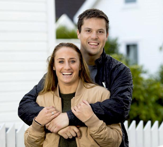 STÅR SAMMEN: Camilla og Steffen giftet seg i 2013. I fjor ble de foreldre. Foto: Morten Eik / Se og Hør