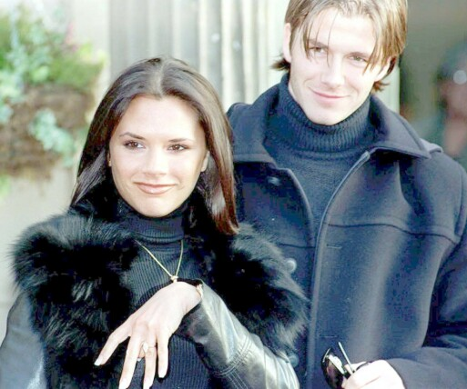 MED BOB: Victoria Beckham med bobfrisyre i januar 1998, da hun og David Bevkham kunngjorde sin forlovelse. Foto: AP/ NTB scanpix