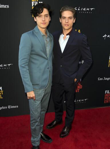 NÅ: Cole (t.v.) og Dylan Sprouse på en filmpremiere i Los Angeles. Foto: NTB Scanpix