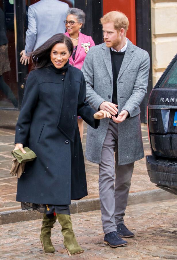 BESKYTTENDE EKTEMANN: Prins Harry skal visstnok være veldig beskyttende overfor Meghan. Foto: NTB scanpix