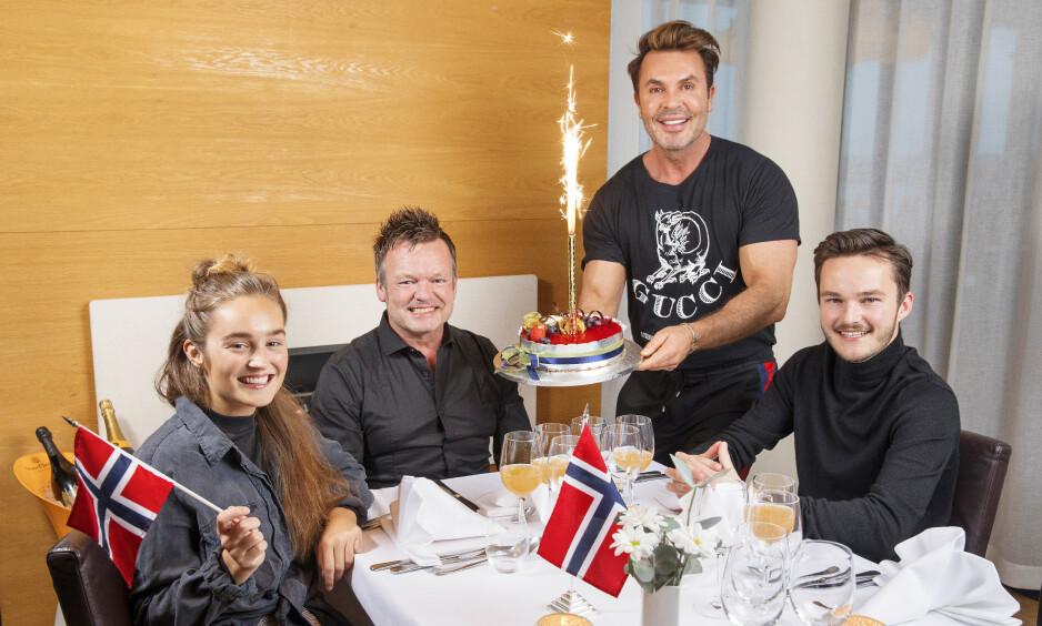 HURRA: 50-års jubilanten Bjørn Østervold ble feiret med brask og bram. Foto: Espen Solli