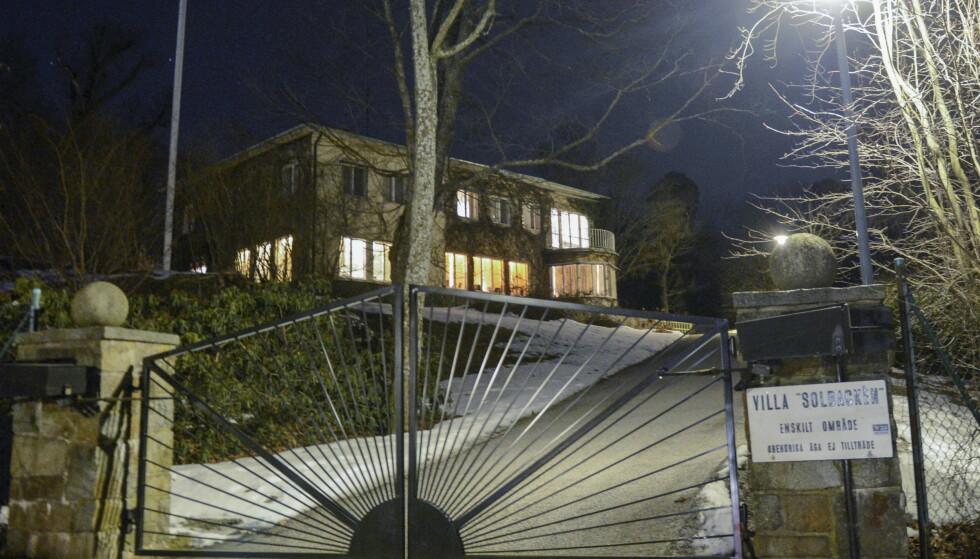 <strong>VILLALIV:</strong> Denne flotte villaen, som prins Carl Philip har arvet av sin onkel, prins Bertil, er familiens nye hjem. Foto: NTB Scanpix