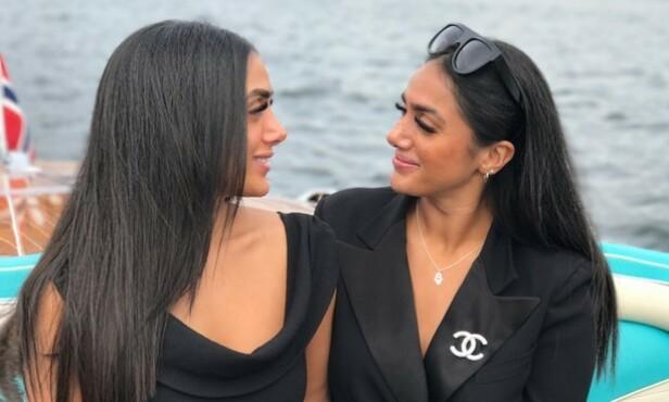 NÆRT BÅND: For tvillingsøstrene og NRK-profilene Vita og Wanda er det ekstremt viktig at begge kommer overens med hverandres fremtidige kjærester. Foto: NRK