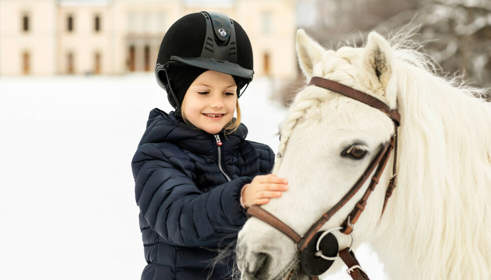 BURSDAG: Estelle fylte syv år 23. februar. Foto: Linda Broström / Det svenske kongehuset