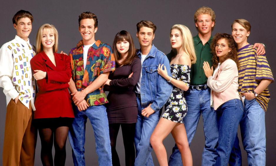 TV-STJERNER: Brian Austin Green, Jennie Garth, Luke Perry, Shannen Doherty, Jason Priestley, Tori Spelling, Ian Ziering og Gabrielle Carter ble superstjerner gjennom 90-talls serien «Beverly Hills 90210». Foto: Stella Pictures