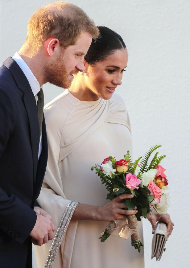 SNART FORELDRE: Prins Harry og hertuginne Meghan blir snart foreldre. Termin skal være i april. Her er de avbildet under en tur til Marokko. Foto: NTB Scanpix