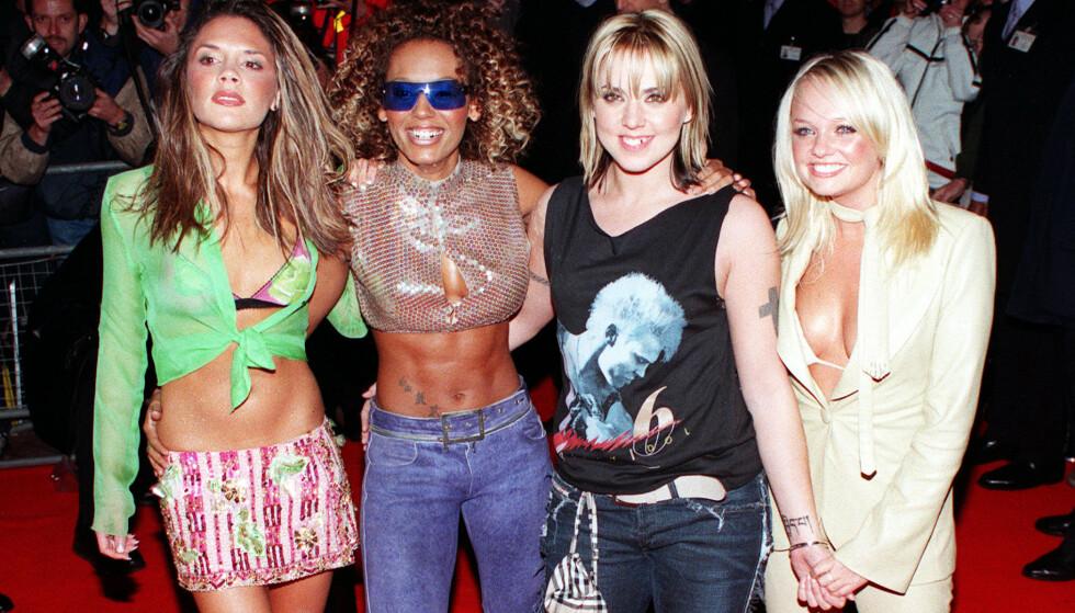 ENDELIG BRYLLUP: Emma Bunton (t.h.), her med Spice Girls-kollegene Victoria Beckham, Melanie Brown og Melanie Chisholm på lanseringsfest i år 2000, skal endelig gi sitt «ja». Foto: NTB scanpix