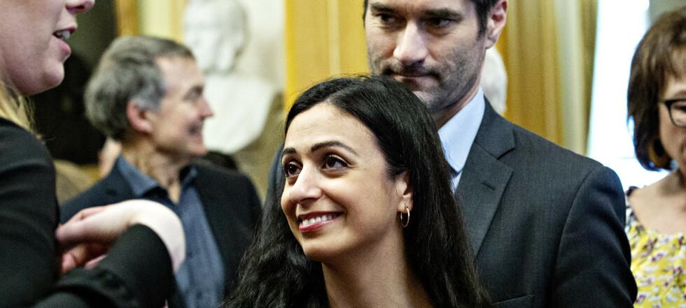 Viste sin kjærlighet på politikerfest