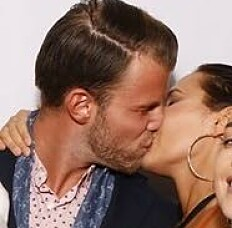 <strong>FORELSKA:</strong> Helene Hima forteller at hun bare har kyssebilder med kjæresten. - Vi er nyforelska vettu, sier hun. Foto: Privat