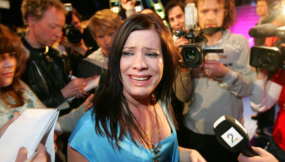 KNUST: Andrea Gjendem Brændvik tok et tårefylt farvel med «Idol» etter at hun ble stemt ut, under den andre finaleomgangen. Foto: Håkon Mosvold Larsen / NTB Scanpix