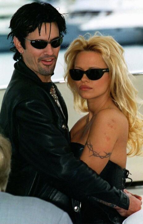 <strong>TRE MÅNEDER:</strong> Eksparet Tommy Lee og Pamela Anderson hadde kun kjent hverandre i tre måneder før de giftet seg i 1995. Foto: NTB scanpix