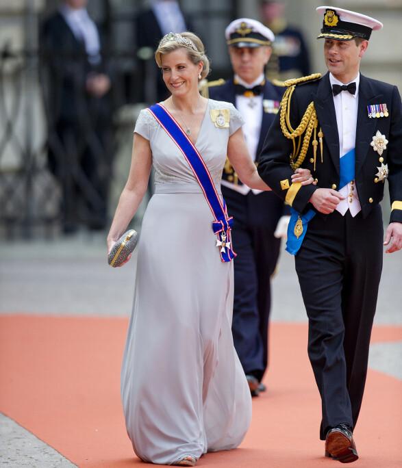 MYE PENGER: Grevinne Sophie av Wessex brukte 910 000 kroner på nye klær i fjor. Her er hun på vei inn til prinsebryllup i Sverige i 2015. Foto: Jon Olav Nesvold / NTB Scanpix