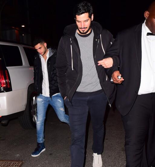 RIHANNAS KJÆRESTE: Hassan Jameel holder en ganske lav profil, men ble fotografert da han forlot Grammy-etterfesten i New York i januar 2018. Foto: Splash News/ NTB scanpix