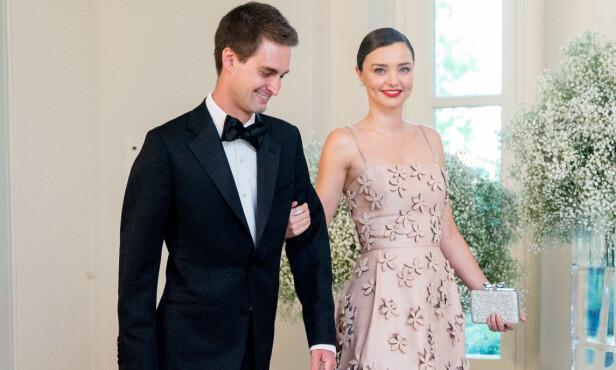 GIFT: Miranda fant lykken med Evan Spiegel etter skilsmissen fra Orlando Bloom. Her er de avbildet i 2016. Foto: NTB Scanpix