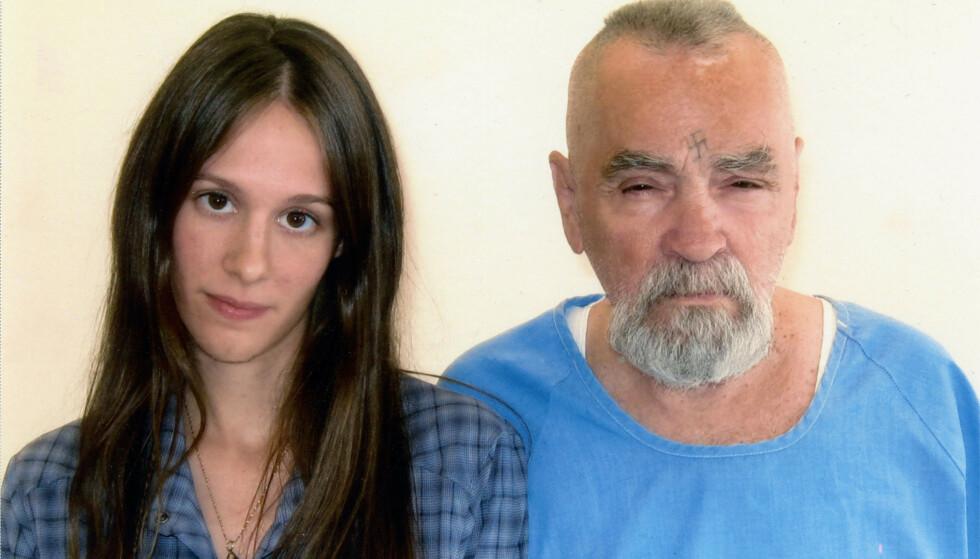 «ONDSKAPENS ANSIKT»: Den beryktede drapsmannen Charles Manson er blitt beskrevet som djevelen selv for måten han fikk andre til å begå drap for seg. I 2014 forlovet han seg med Afton Elaine Burton, som var fast bestemt på at Manson var uskyldig. Foto: NTB Scanpix
