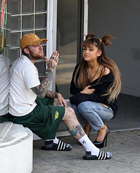 GIKK BORT: Ariana har tidligere vært sammen med Mac Miller. Han gikk bort i september. Foto: NTB Scanpix