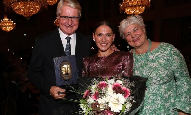 <strong>PRISVINNER:</strong> Pia Tjelta ble tildelt «Wenche Foss' ærespris» under Se og Hørs 40-årslag i fjor. Foto: Andreas Fadum / Se og Hør