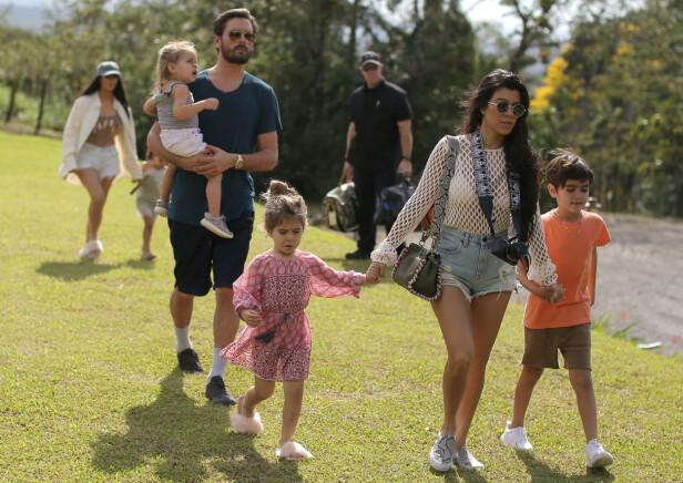 FAMILIE: Her er hele familien samlet ute på tur i 2017. Foto: NTB scanpix