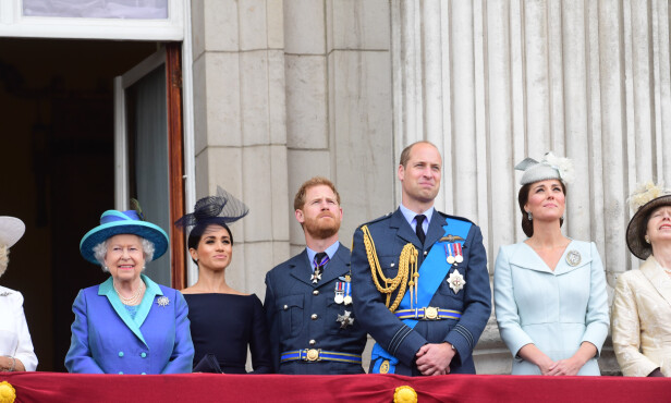 DRONNINGEN IKKE FORNØYD: Dronning Elisabeth II vil ikke tolerere at Meghans og Harrys førstefødte skal oppdras med vegansk kosthold. Foto: NTB Scanpix