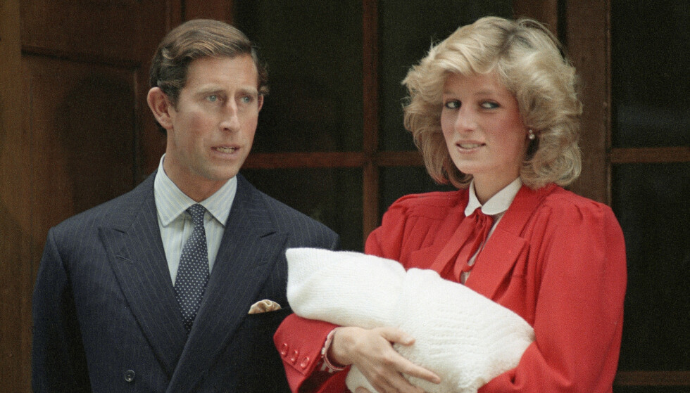 FIKK SIN ANDRE SØNN: I 1984 ble Prins Charles og prinsesse Diana foreldre for andre gang, til lille Harry. Ifølge prinsessen skal Charles ha vært skuffet over barnets kjønn. Foto: NTB Scanpix