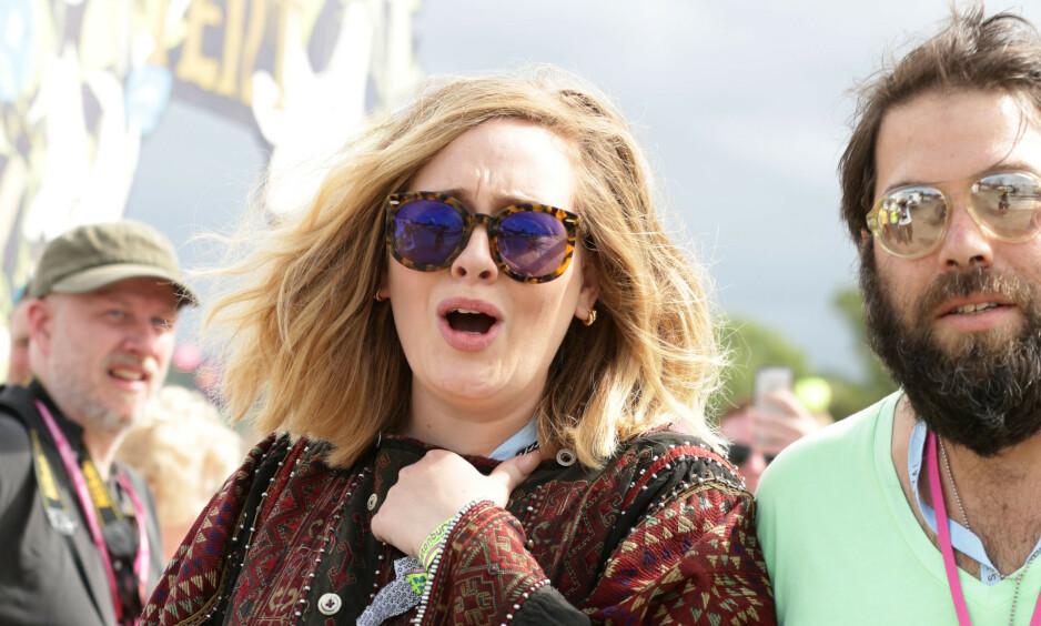 SKILLES: Natt til lørdag bekrefter Adele at hun og ektemannen Simon Konecki skal skilles. Foto: NTB Scanpix