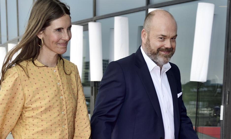 TRAGEDIE: Danmarks rikeste mann, Anders Holch Povlsen, mistet tre av sine fire barn i terroren på Sri Lanka. Her er han fotografert sammen med kona Anne i fjor. Foto: NTB scanpix