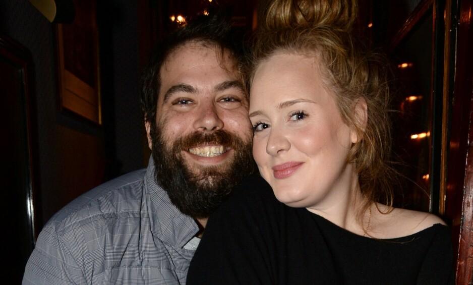 <strong>SKILLES:</strong> Lørdag ble det kjent at popstjernen Adele og ektemannen Simon Konecki går hver til sitt. Skilsmissen kan etterlate ektemannen med en svimlende sum, ifølge britiske medier. Foto: NTB Scanpix