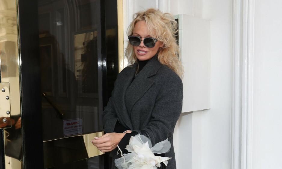 SINT: Pamela Anderson satte ikke pris på at arrangørene brått ga penger til noe annet enn det som var hovedsaken. Foto: NTB Scanpix