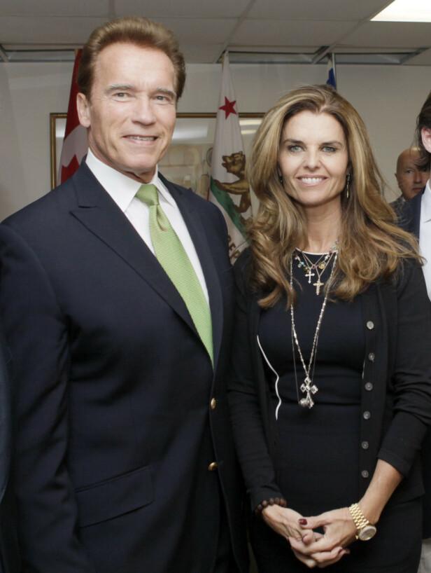 DYPT SVIK: Filmstjernen Arnold Schwarzeneggers ekteskap med Maria Shriver endte i skandale da det ble kjent at han hadde fått et barn utenfor ekteskapet. Her er paret sammen i 2009. Foto: NTB Scanpix
