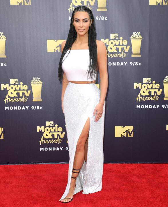 DISKRET: På MTV Movie & TV Awards i juni 2018, byttet Kim ut forlovelsesringen med en helt enkel ring. Foto: Chelsea Lauren/REX/ NTB scanpix