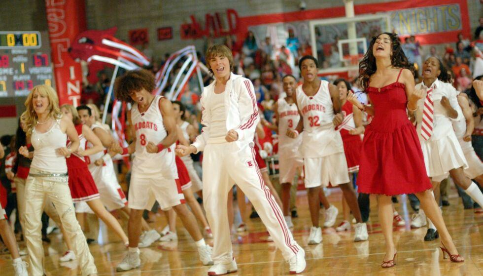 IKONISK: Det er nok mange fans som husker denne scenen fra gymsalen. Foto: NTB Scanpix