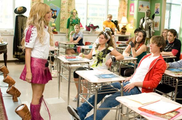 DRAMA-LEDER: Ashley Tisdales karakter Sharpay Evans var lederen for dramaklubben i filmene, og følte seg trolig som en leder ellers også. Foto: NTB Scanpix